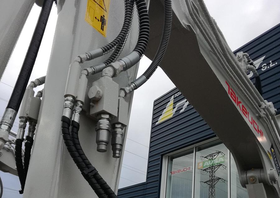 Instalaciones hidraulicas Takeuchi